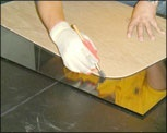 The conventional glass cutting by hand