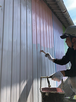 Painting is an artisan job full of manual work